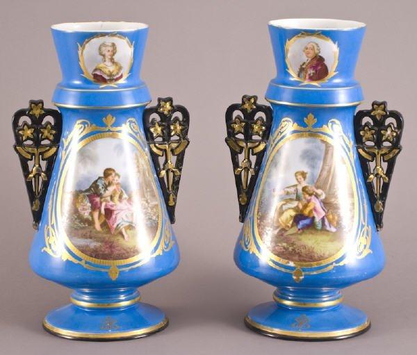 24: Pr. Old Paris porcelain vases