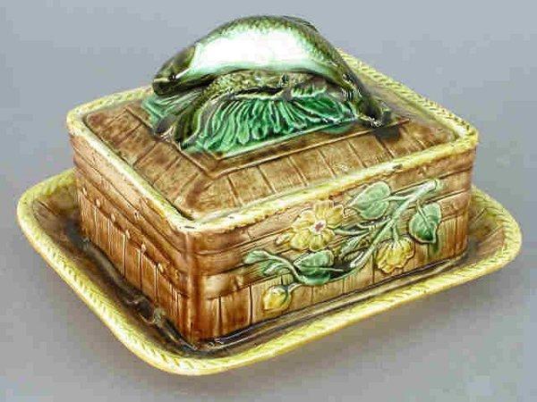 5: Majolica sardine box with fish motif on