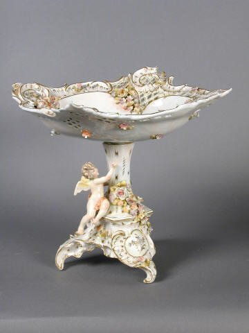 23: Meissen-type  footed compote with ovoid