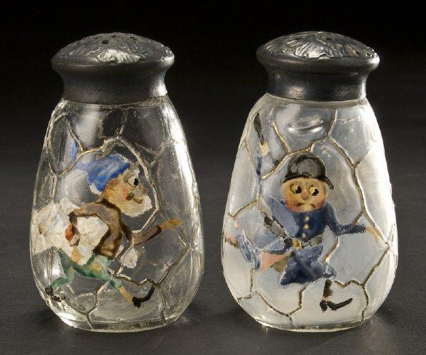 14: Pr. Mt. Washington Napoli enameled glass shakers