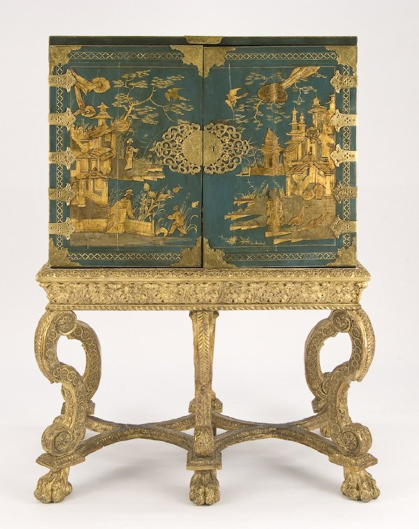 170: William and Mary chinoiserie cabinet on carved
