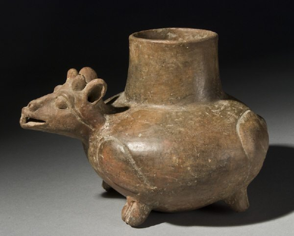 17: Pre-Columbian proto plumbate vessel deer effigy. El