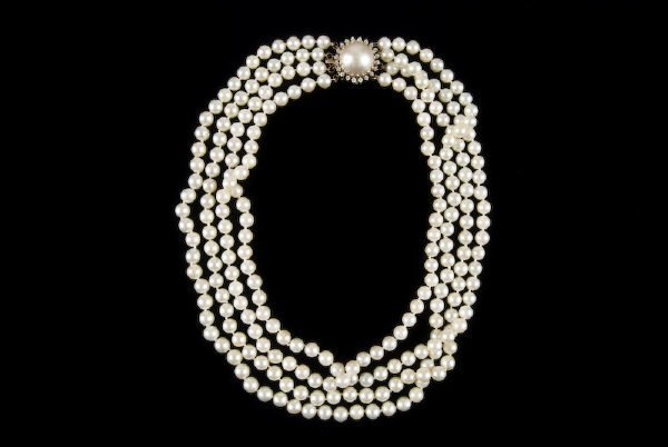20: Multi-strand pearl, 14K gold and sapphire necklace