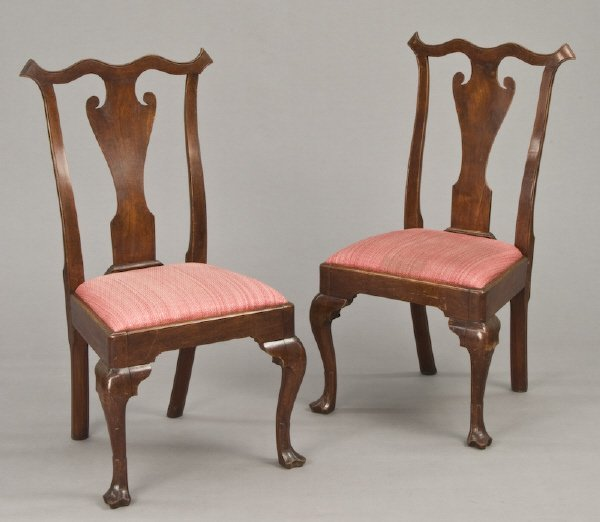 152: Important pair of William Savery walnut side chair