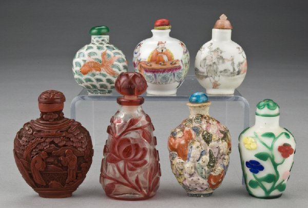 15: (7) Chinese Qing snuff bottles including: