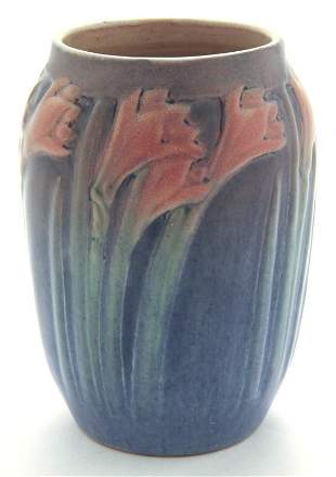 Newcomb College art pottery vase,