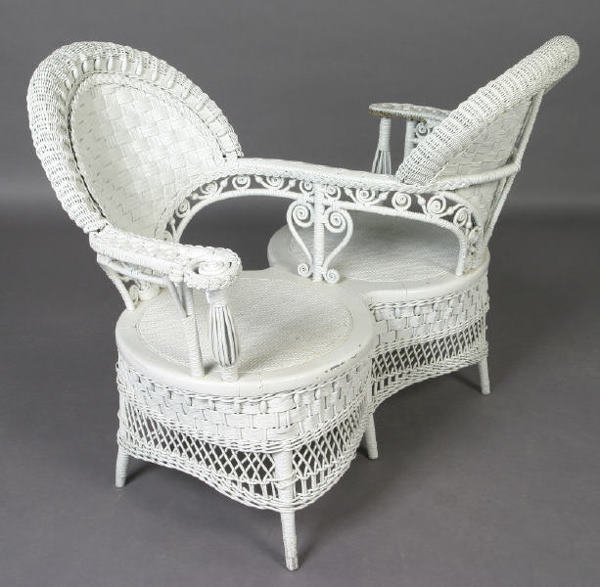 264 Ornate Victorian White Wicker Courting Quot S Quot Chair