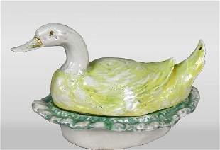 Porcelain lustreware condiment set, duck