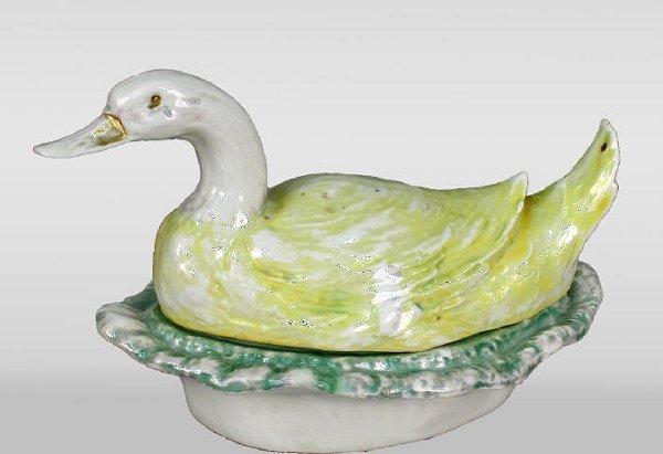 500: Porcelain lustreware condiment set, duck