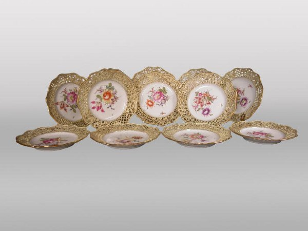 522: (12) Marked Meissen reticulated plates.