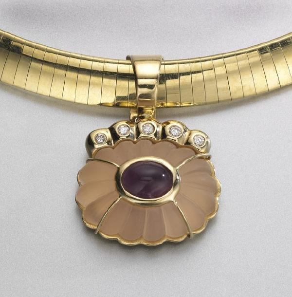 20: 14K gold, diamond, rose quartz and amethyst neck-