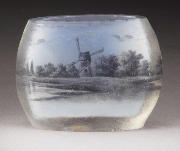 24: Daum Nancy French cameo cabinet vase,