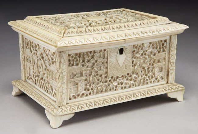 43: Chinese Qing carved ivory jewelry box depicting (In