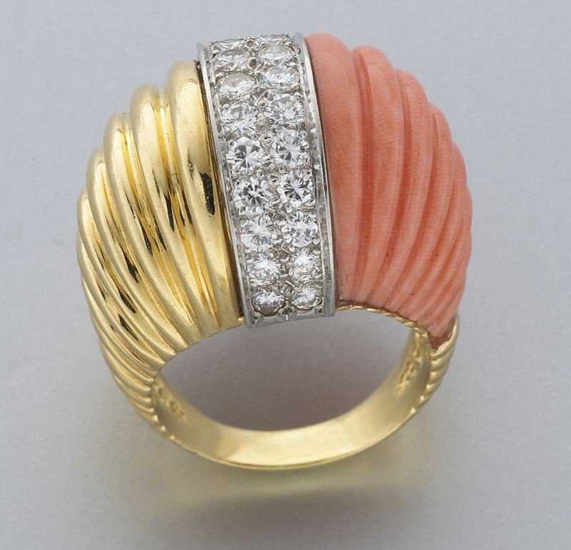 10: Platinum, 18K gold, coral and diamond ring