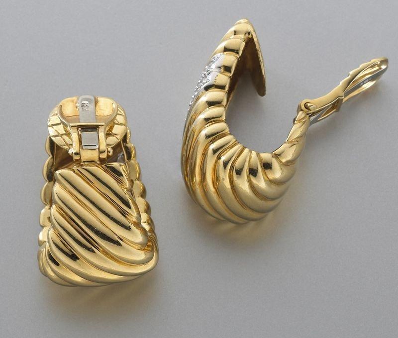 47: 18K gold and diamond hoop earrings - 2