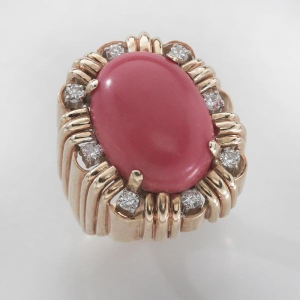 17: Retro 18K gold, diamond and blood coral ring