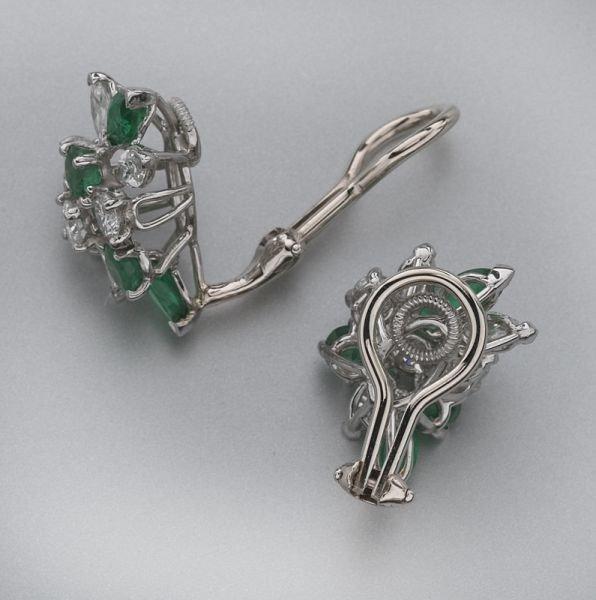 21: Oscar Heyman diamond and emerald earrings - 2