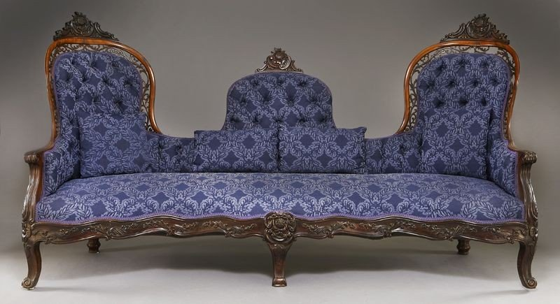 29: American Victorian carved rosewood settee