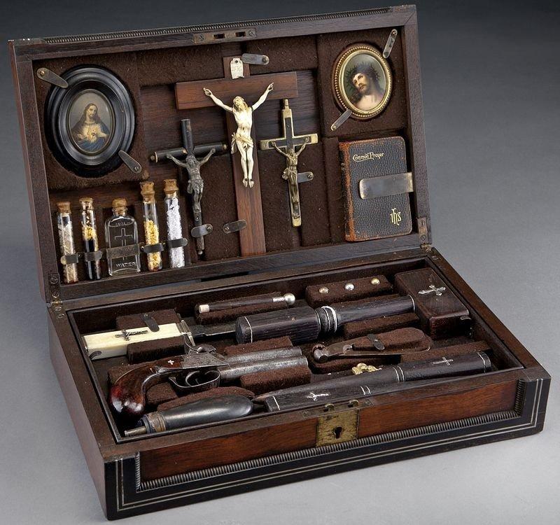64: Cased vampire killing kit, in a rosewood