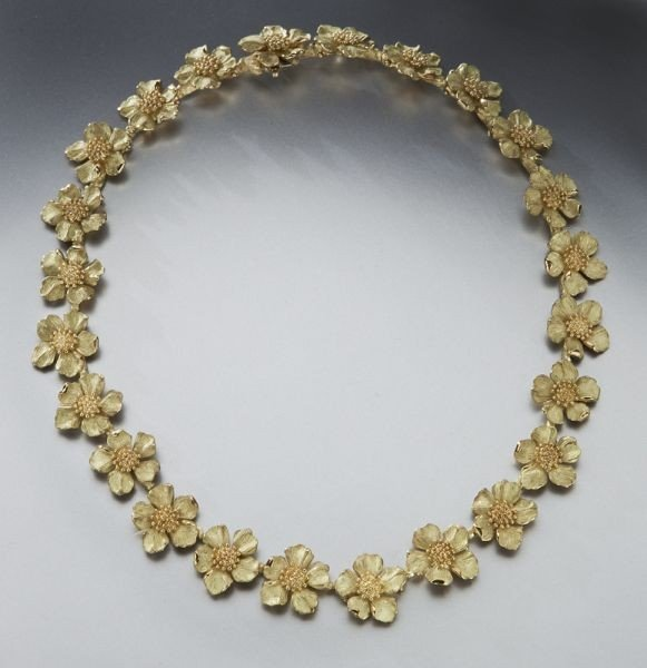 100: 18K gold Tiffany classic dogwood blossom necklace