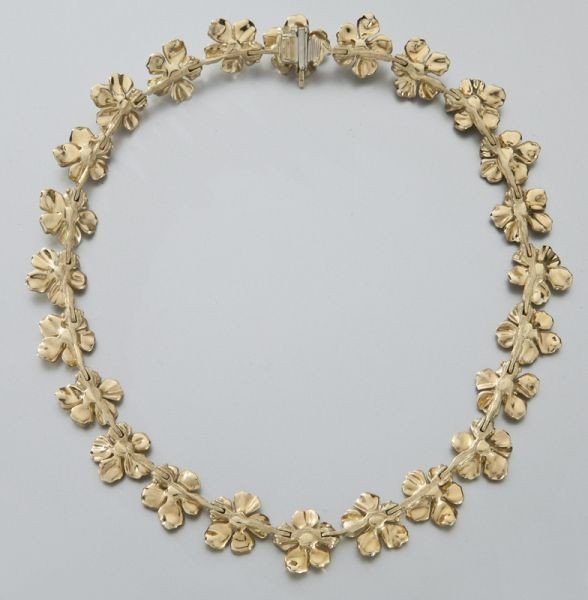 100: 18K gold Tiffany classic dogwood blossom necklace - 3