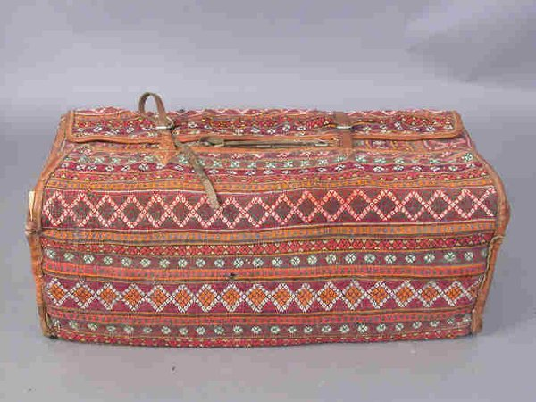 510: English carpet bag with leather trim and