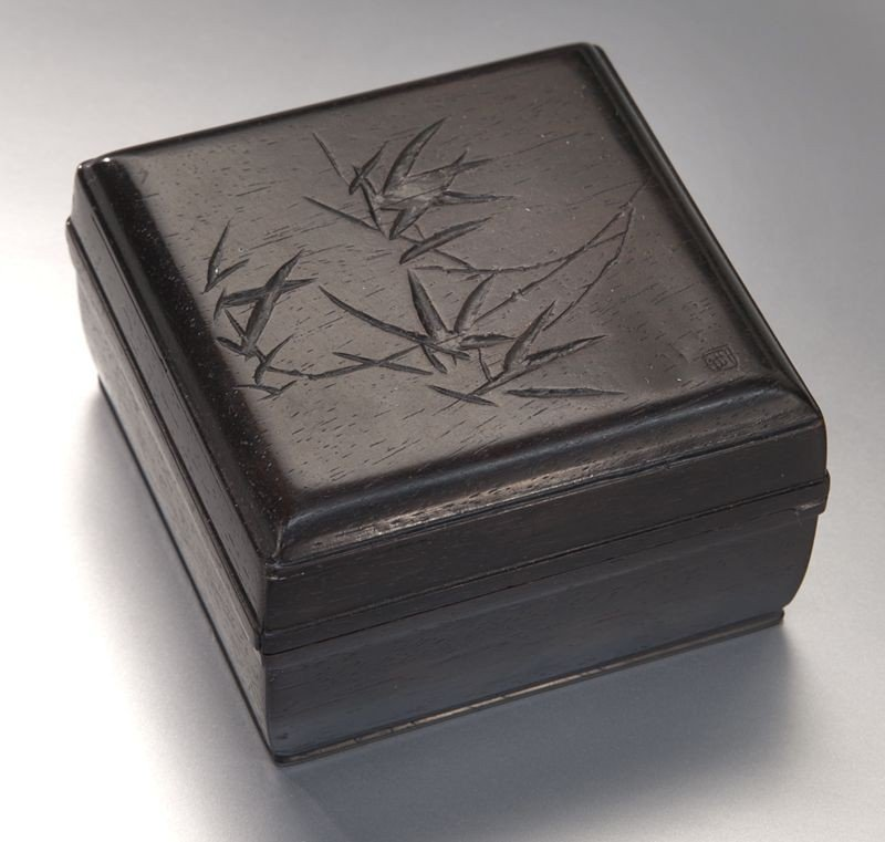 3: Chinese carved zitan box depicting bamboo.