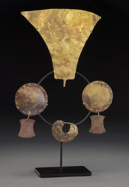 6: 4 Pcs. Pre-Columbian hammered sheet gold jewelry,