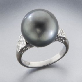 18: 18K gold, diamond and Tahitian pearl dinner ring