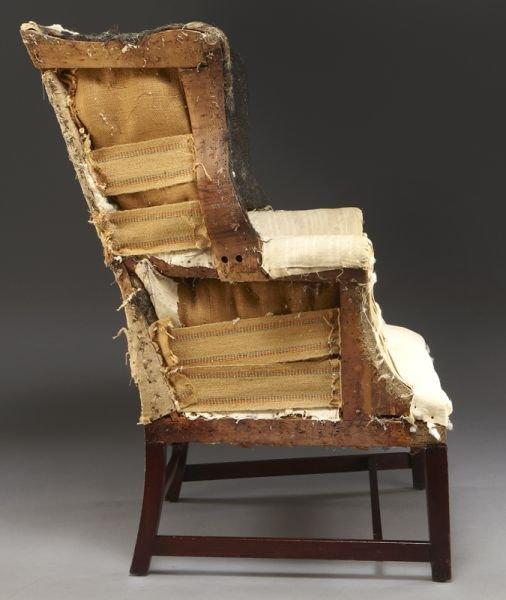 59: Period American Hepplewhite wing chair - 3