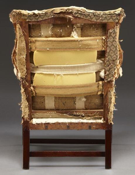 59: Period American Hepplewhite wing chair - 4