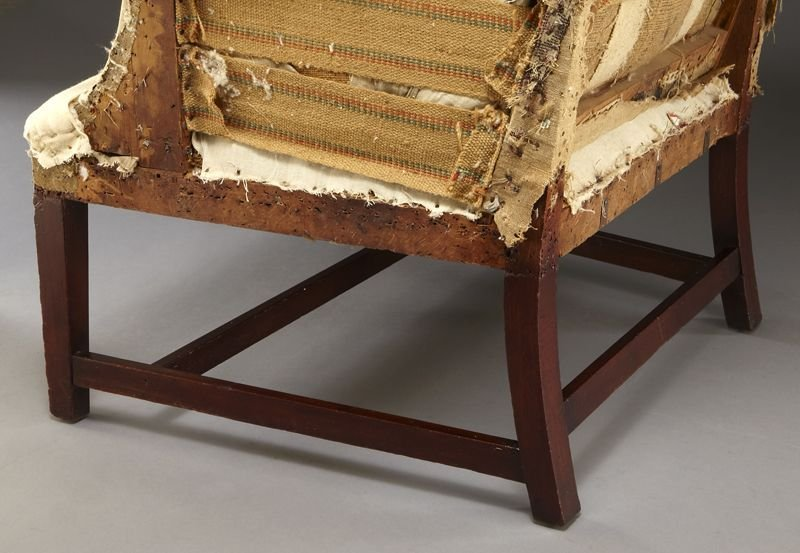59: Period American Hepplewhite wing chair - 6