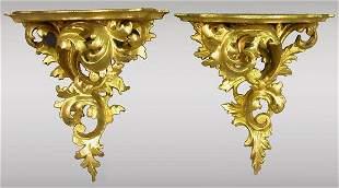 Pr. Highly carved gilt Italian brackets