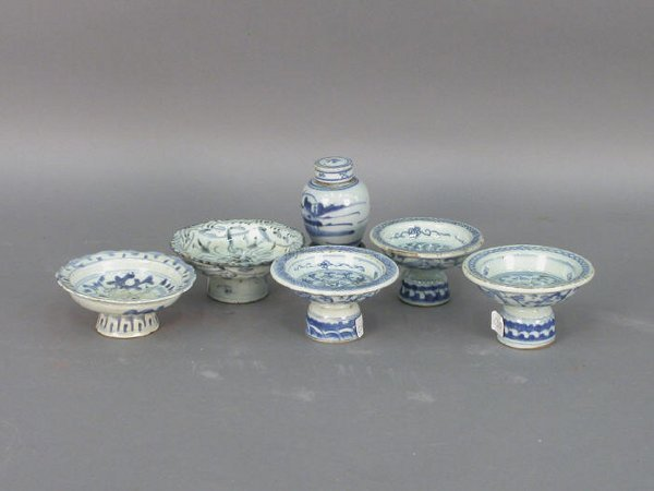 320: Six blue & white Chinese Export pieces