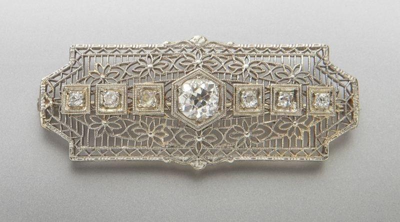 Edwardian 18K gold and diamond brooch,