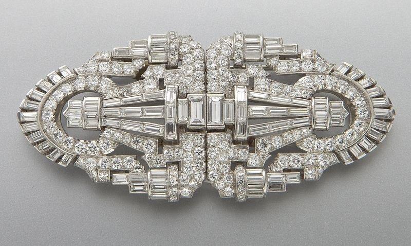 Art Deco platinum, 14K, diamond collar clip brooch