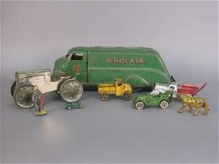 """8 pcs. Vintage metal cars/figures, """"Hub"""