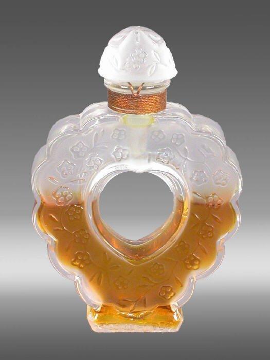 """7: Lalique """"Coeur Joie"""" perfume bottle"""