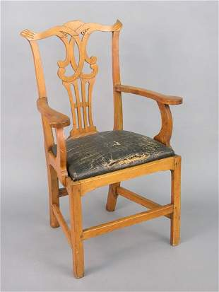 Maple Chippendale country arm chair, ori