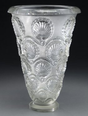"Lalique ""cancale"" Vase In Clear And Frosted"
