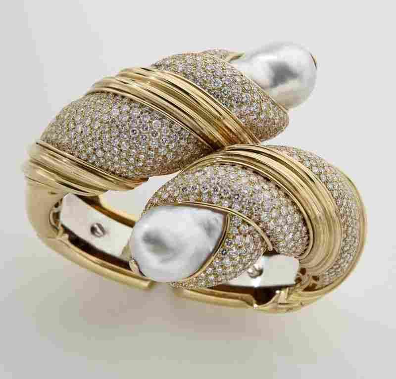 Henry Dunay 18K gold, diamond and pearl bracelet