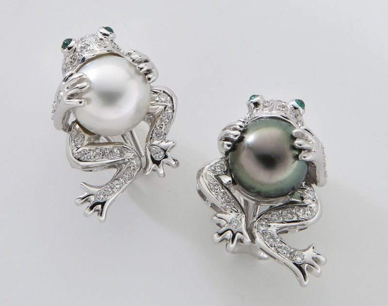 Pair 18K gold, diamond SS and Tahitian pearl frog