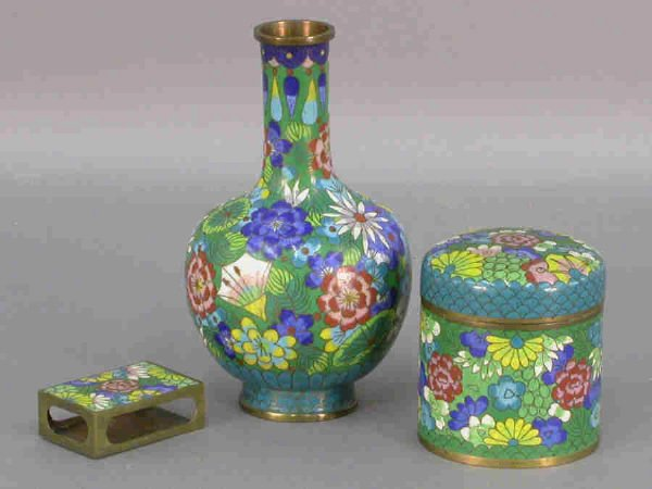 8: 3pcs. Cloisonne in the same pattern. The