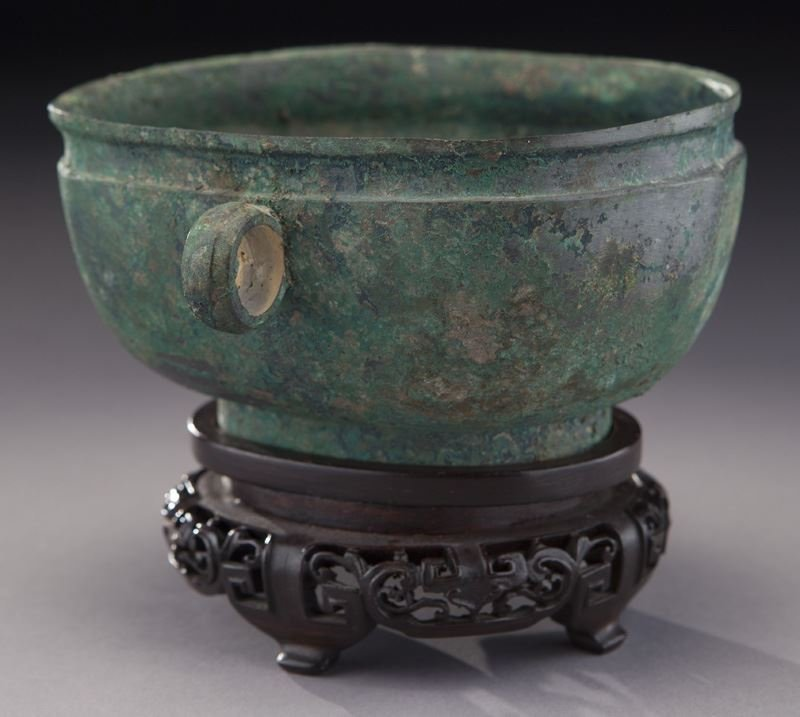 Antique Chinese oval bronze bowl