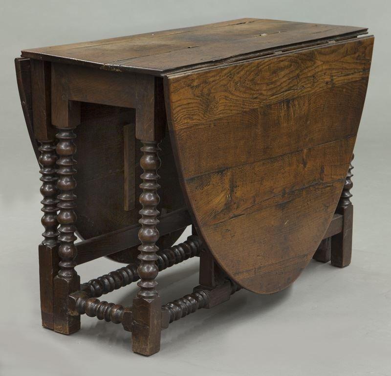 Large 18th C. English oak oval gateleg table - 2