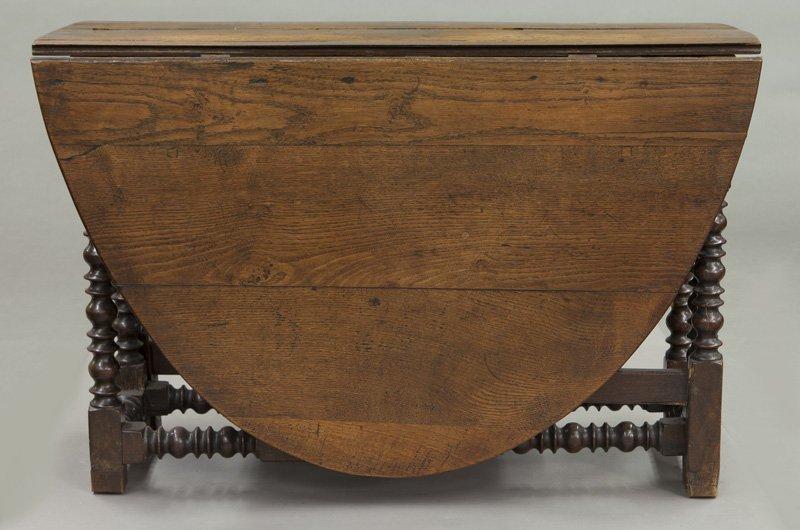 Large 18th C. English oak oval gateleg table - 3