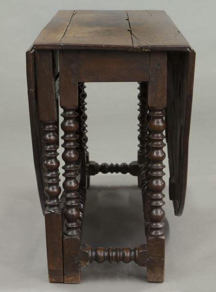 Large 18th C. English oak oval gateleg table - 4