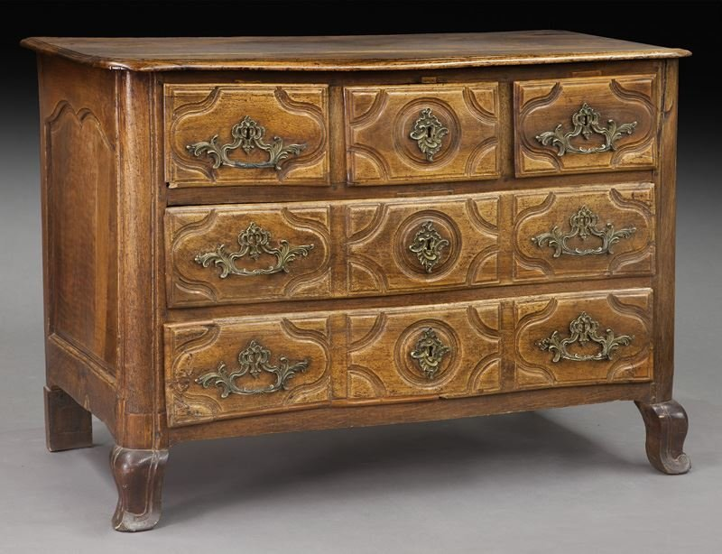 18th C. Country French walnut 5-drawer commode
