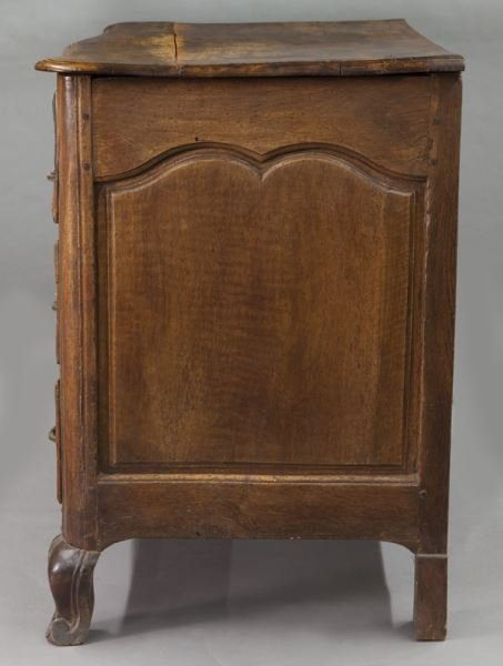 18th C. Country French walnut 5-drawer commode - 3