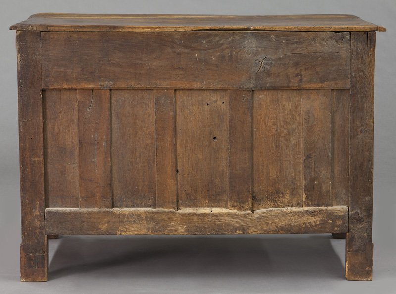 18th C. Country French walnut 5-drawer commode - 4